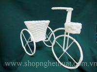 Xe đạp mây nhựa trắng