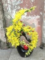 Hoa Lan Vàng cắm trên bình Nghệ Thuật - Mã: HPL 147