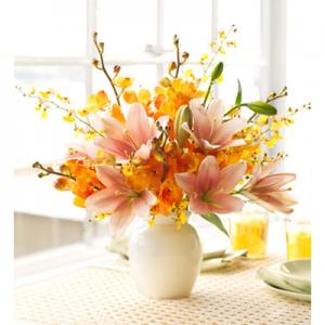 8 mẫu hoa để bàn đẹp tuyệt vời mới nhất 2015