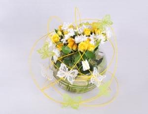 5 bước để có một bình hoa để bàn xinh lung linh