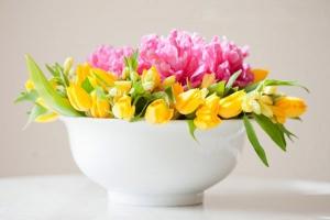 Cắm hoa bàn tiệc nhanh, dễ, đẹp với 4 bước