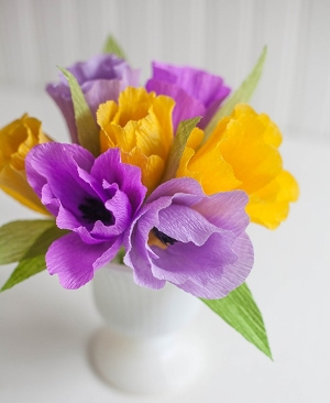 Làm hoa giấy đẹp hơn hoa thật