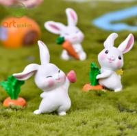 Thỏ trắng ngộ nghĩnh