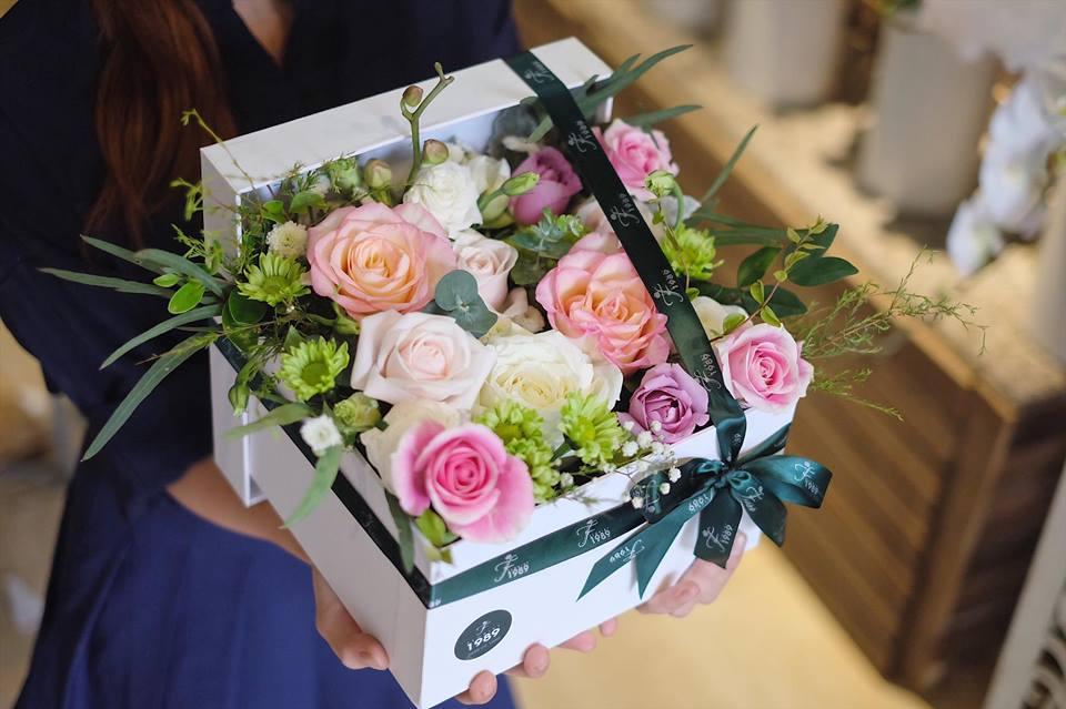 Kết quả hình ảnh cho cắm hộp hoa