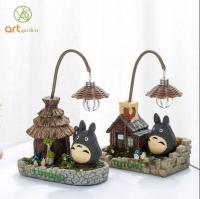Tượng Totoro trong vườn